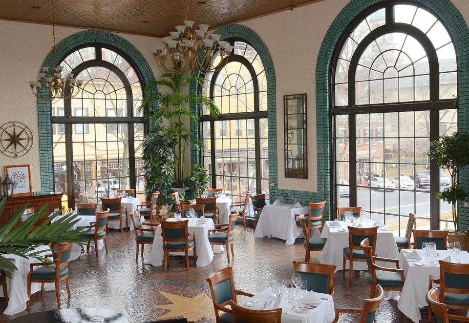 property restaurant home palace orangery hacienda Courtyard mansion Dining