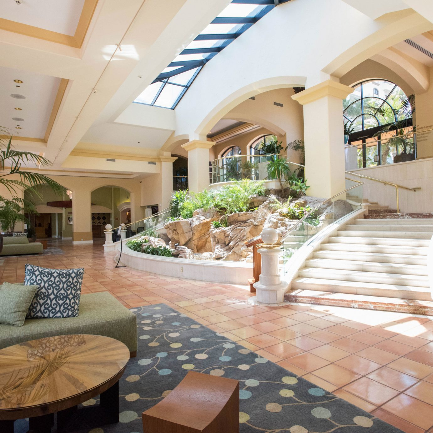 property Lobby home Resort Villa condominium Courtyard living room hacienda mansion outdoor structure cottage Dining stone