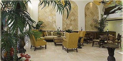 property Lobby restaurant Resort Dining hacienda Courtyard Villa plant dining table