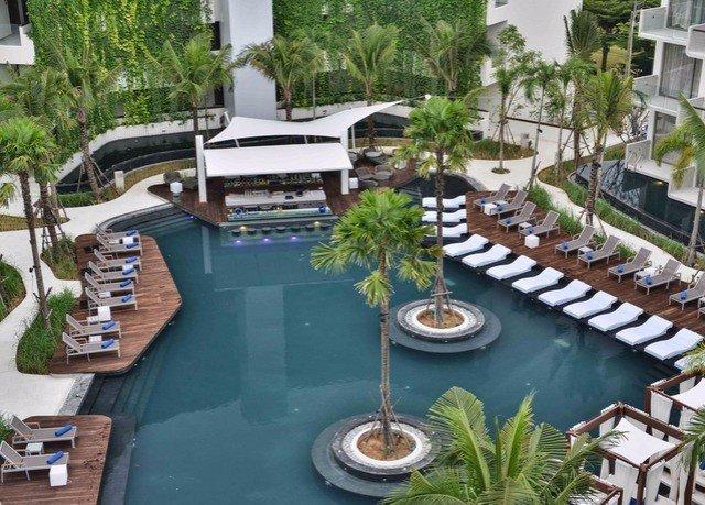 condominium swimming pool property Resort building marina Villa home dock mansion backyard Dining restaurant Courtyard