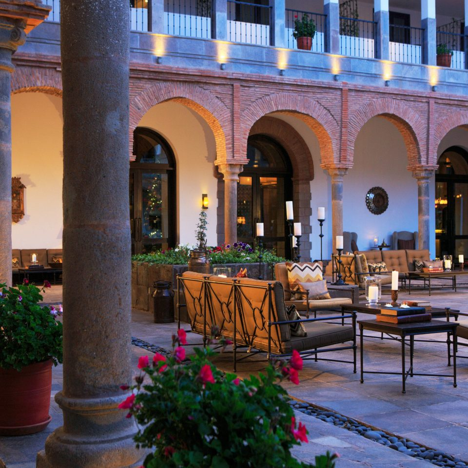 Exterior Lounge Luxury Nightlife Romantic building palace Courtyard hacienda colonnade