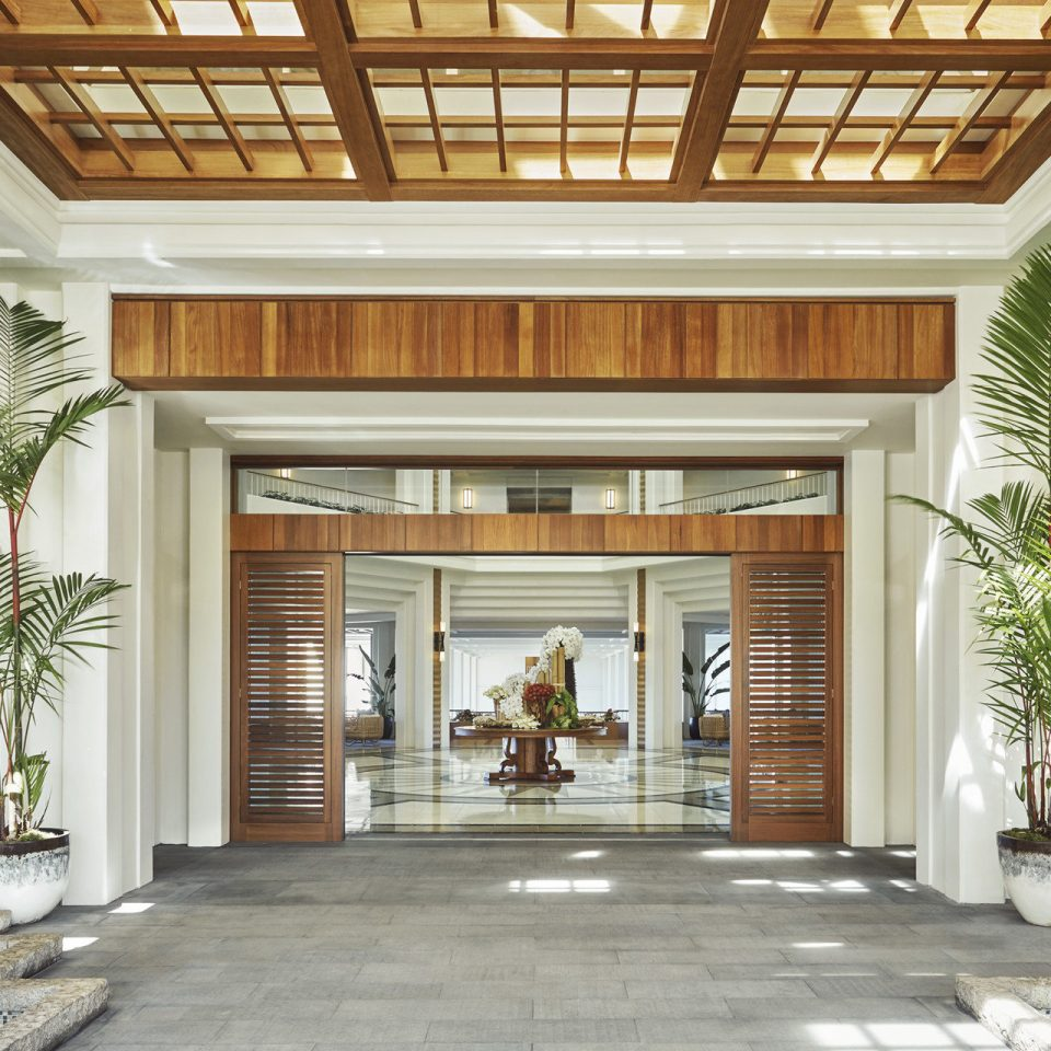 building Lobby Fireplace Courtyard house porch Island