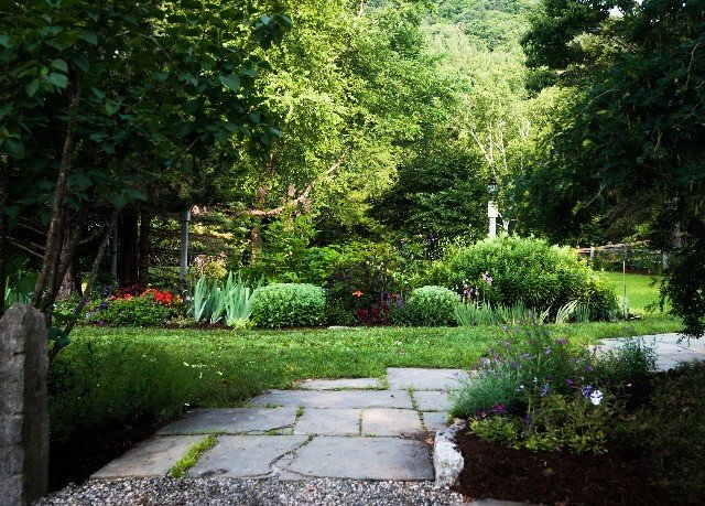 tree grass Garden botany yard backyard lawn flower landscape architect landscape woodland botanical garden walkway stone shrub landscaping Courtyard cottage bushes plant surrounded