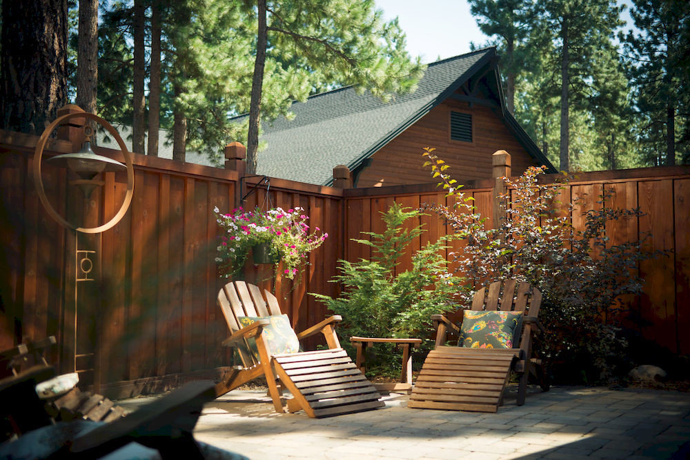 tree building house backyard home yard outdoor structure cottage wooden shed Garden log cabin Courtyard surrounded