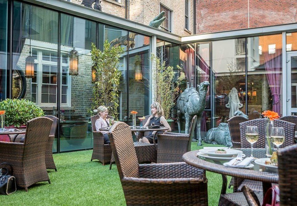 building chair neighbourhood restaurant home Courtyard outdoor structure backyard yard Garden
