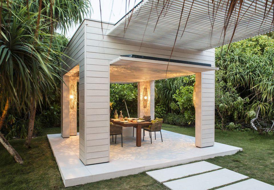 tree property building backyard pergola outdoor structure Courtyard porch Villa gazebo home Patio pavilion Garden