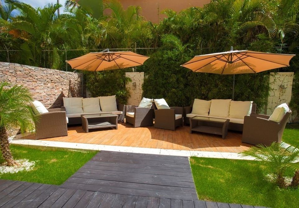 tree grass property backyard outdoor structure Patio green Villa lawn yard Courtyard Garden stone
