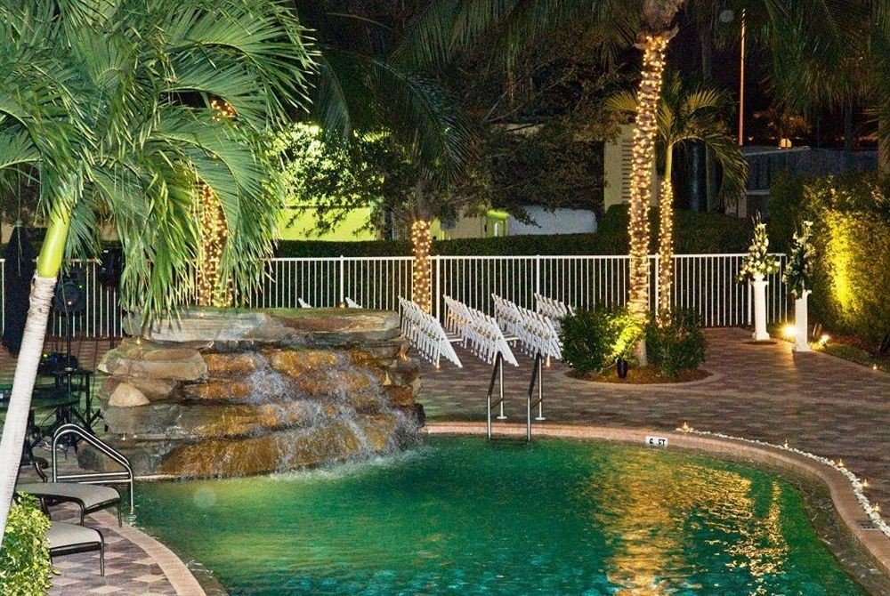 tree swimming pool property backyard Resort Pool reflecting pool home landscape lighting Villa mansion Garden plant pond yard Courtyard landscaping water feature palm