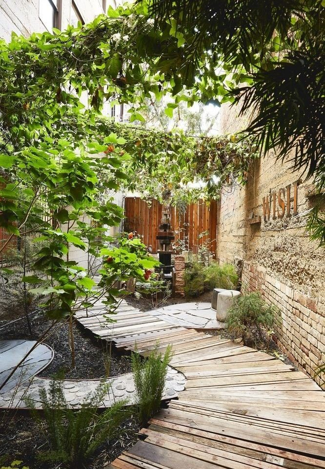tree Garden Courtyard botany yard backyard walkway house flower cottage outdoor structure landscape architect Resort botanical garden way plant stone
