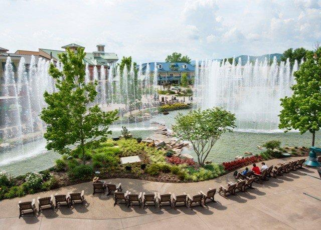 fountain plaza water feature urban design condominium landscape architect Garden park Courtyard tours mansion Resort
