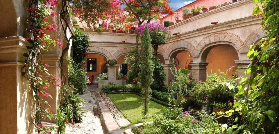 flower property Courtyard building plant hacienda mansion Resort palace Garden home Villa court stone colonnade