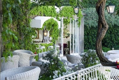 tree building property backyard yard Courtyard porch outdoor structure cottage Garden home Villa landscape architect