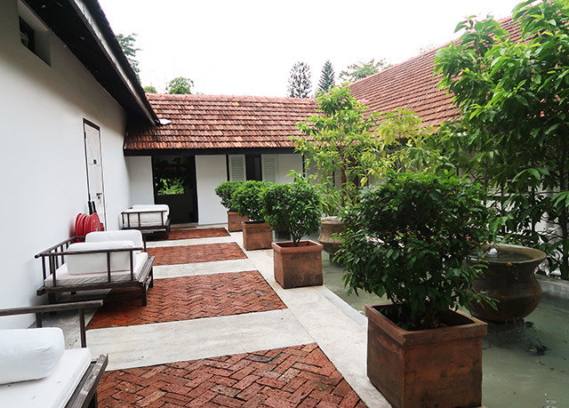 ground property building Courtyard home backyard outdoor structure Villa yard cottage condominium Garden stone