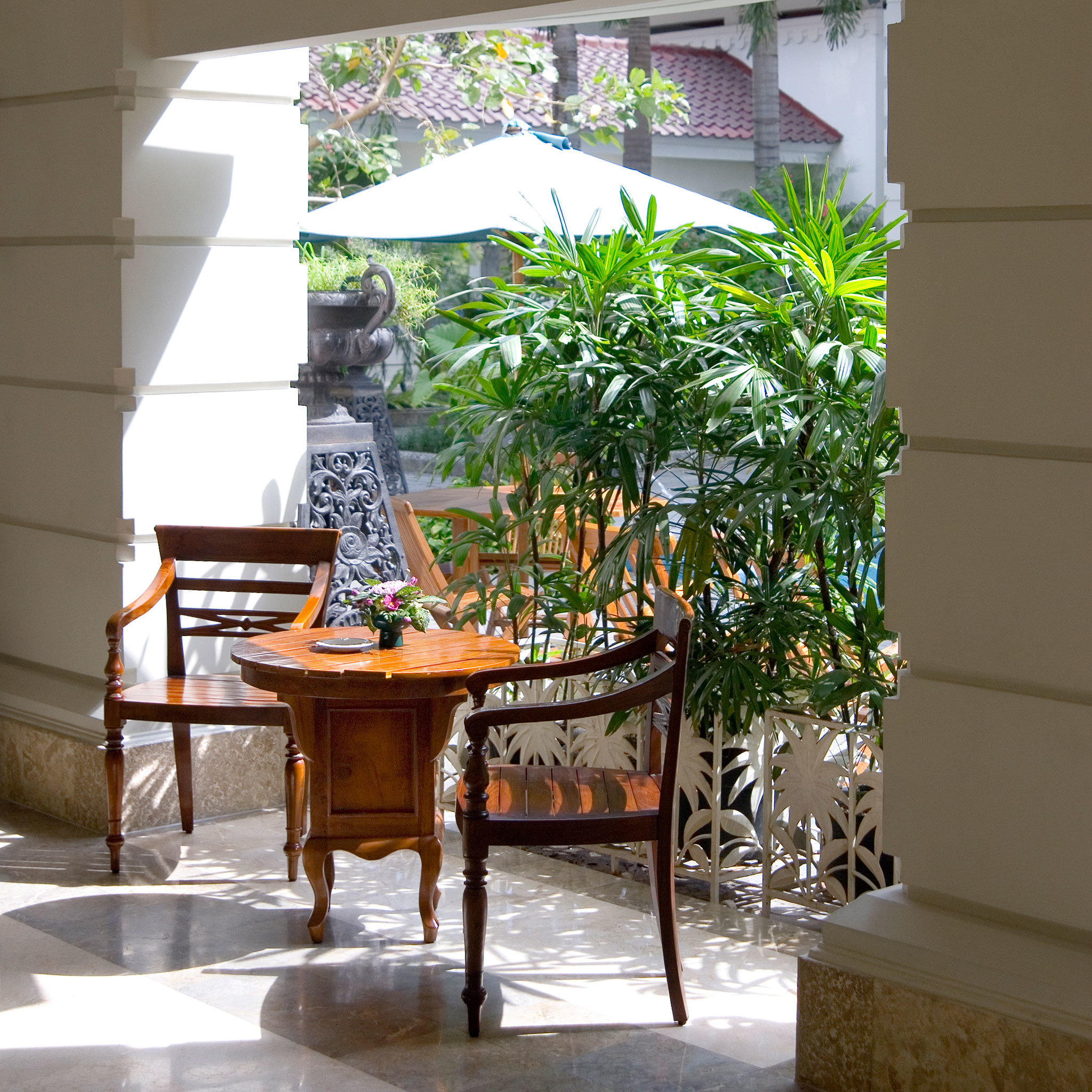 Grounds Lounge Resort floristry Courtyard home Lobby outdoor structure flower