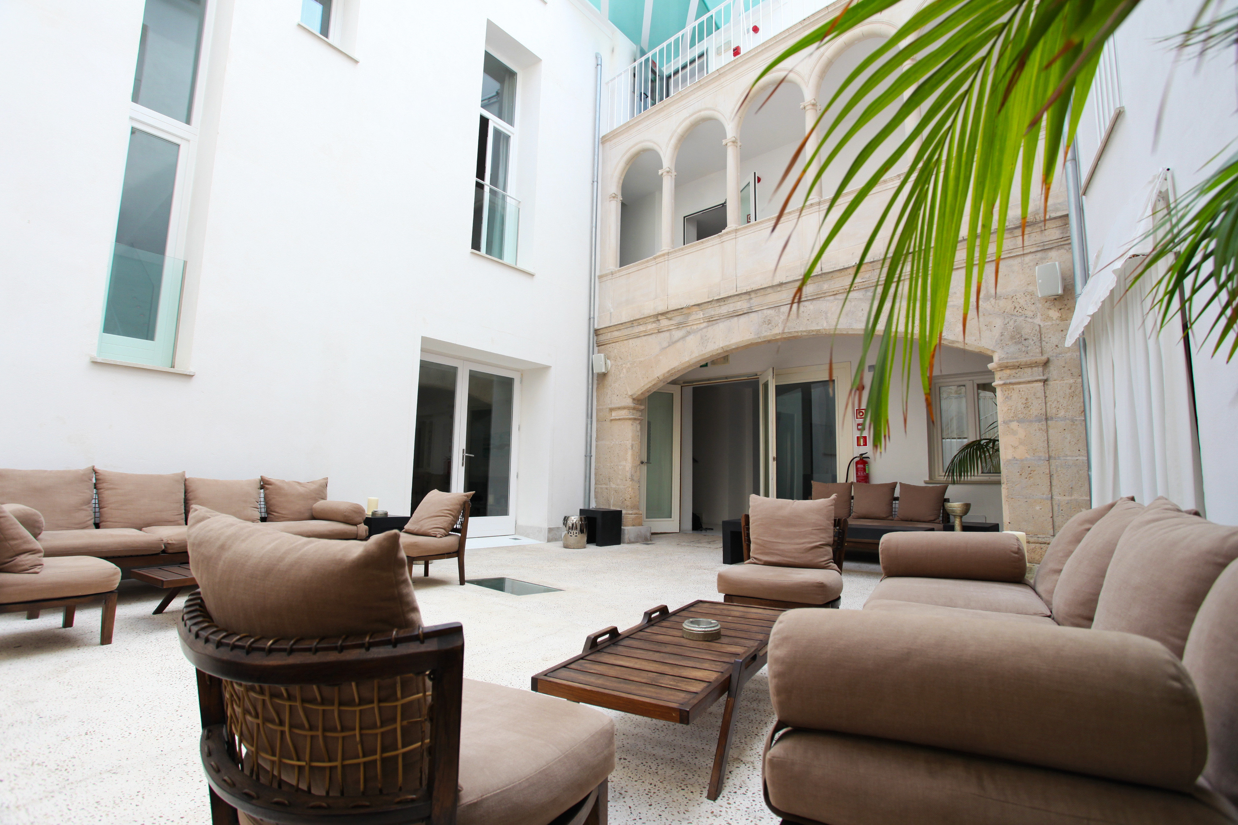 Hip Lounge Luxury Modern sofa property condominium living room building home house Villa cottage mansion Suite Lobby Courtyard leather