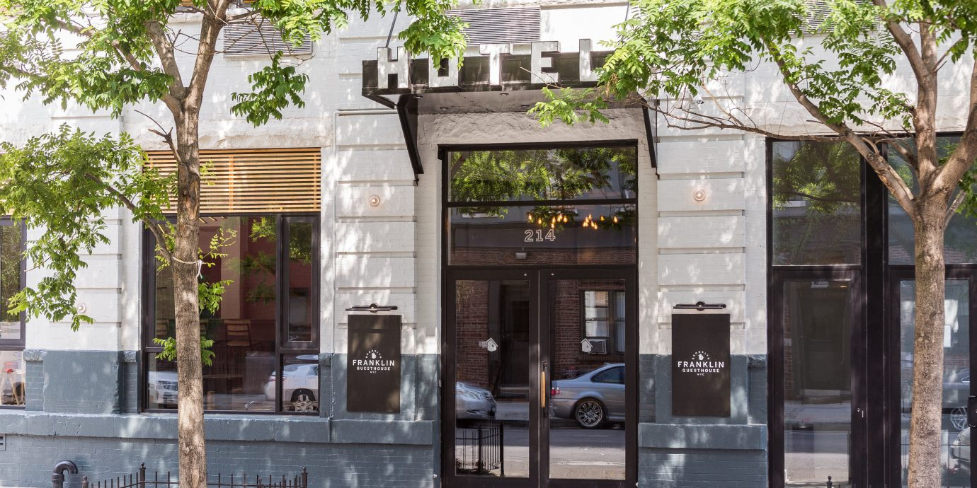 tree neighbourhood plaza home Courtyard restaurant
