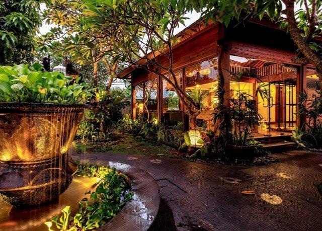 tree Resort backyard landscape lighting Jungle eco hotel Courtyard outdoor structure