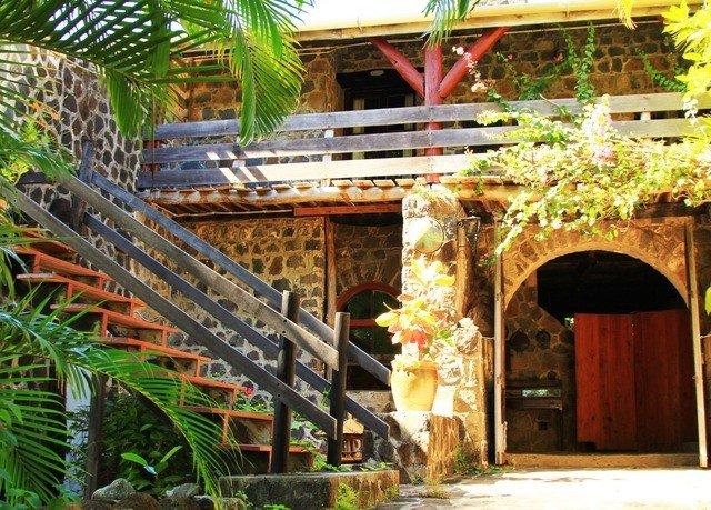 building Resort outdoor structure Jungle hacienda Courtyard