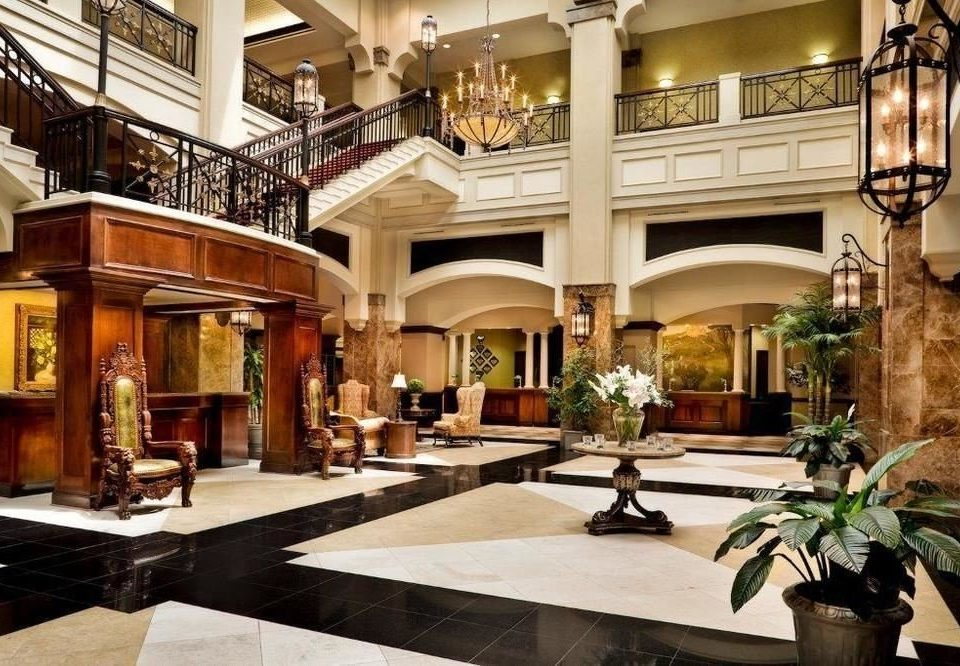 Lobby property building mansion home condominium palace living room Courtyard