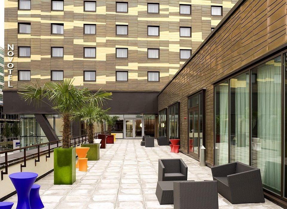 building condominium Lobby plaza restaurant Courtyard headquarters convention center