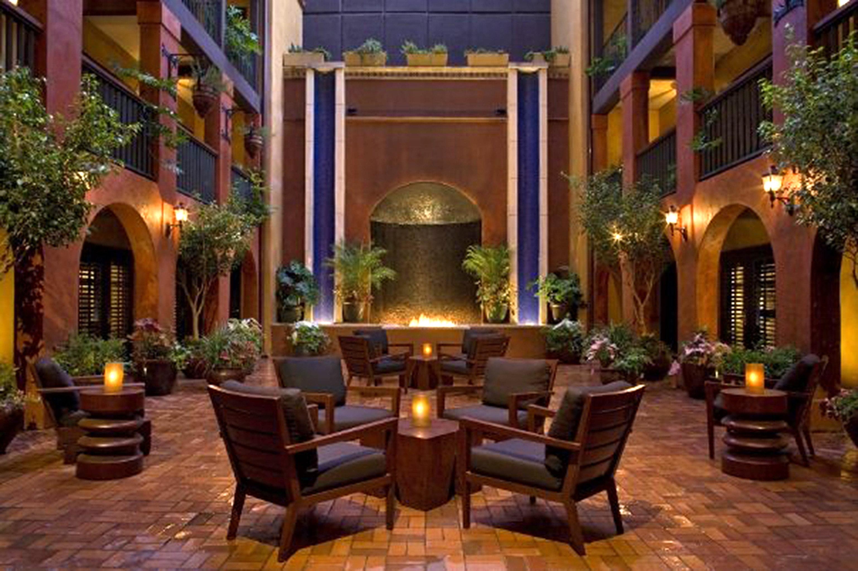 Courtyard Lounge Modern Patio Terrace tree property Lobby mansion home lighting hacienda landscape lighting living room Villa
