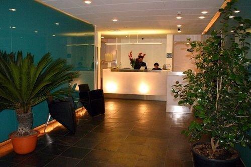 Lobby plant property condominium home lighting Courtyard living room Resort