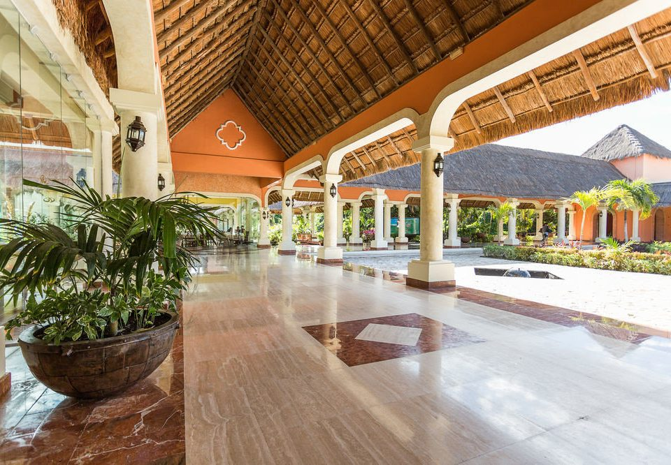 building property Resort plaza Courtyard Lobby home Villa hacienda swimming pool walkway outdoor structure restaurant