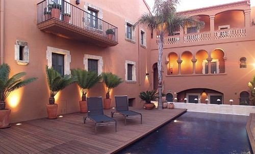 property building Villa hacienda mansion Resort condominium Courtyard Lobby palace