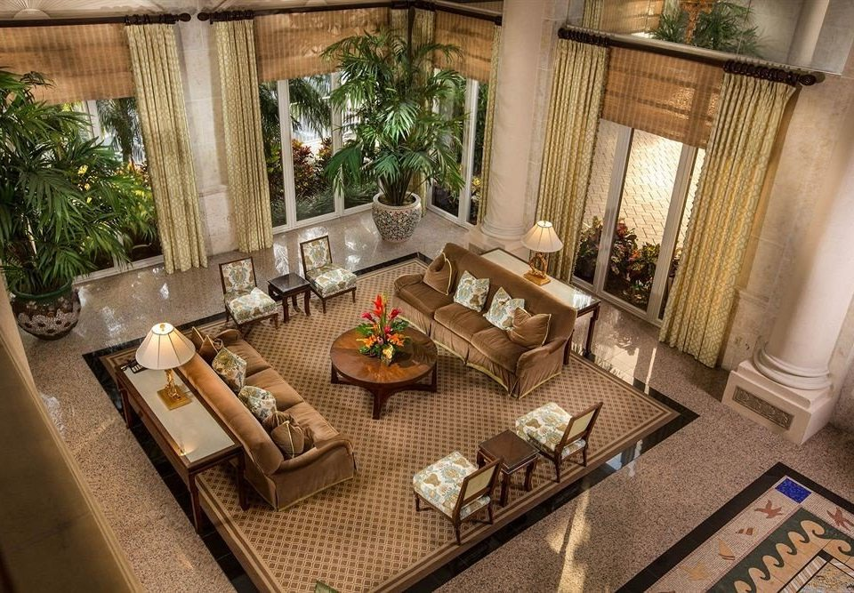 property living room home Villa cottage mansion Lobby Courtyard backyard outdoor structure Resort