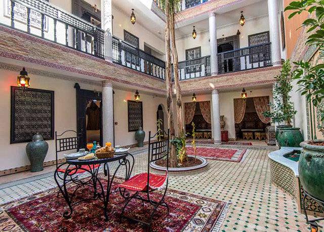 property building home condominium Courtyard Resort Lobby mansion palace Villa cottage hacienda backyard