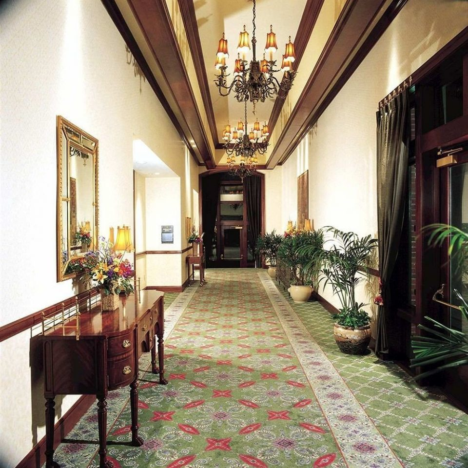 property Lobby house home mansion palace Courtyard Villa hacienda Resort cottage living room porch farmhouse