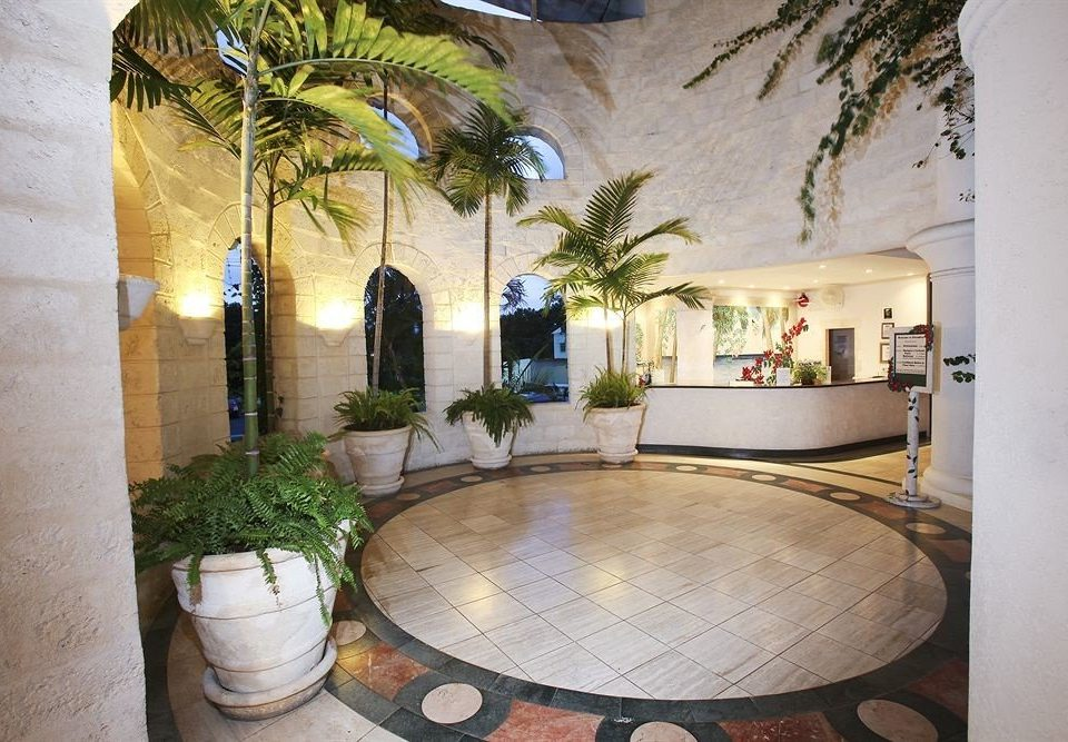 property Lobby Courtyard home hacienda mansion Villa plant living room swimming pool condominium stone
