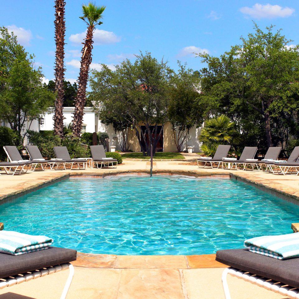 Courtyard Lounge Patio Pool Resort Terrace tree sky water swimming pool property leisure Villa backyard lined swimming