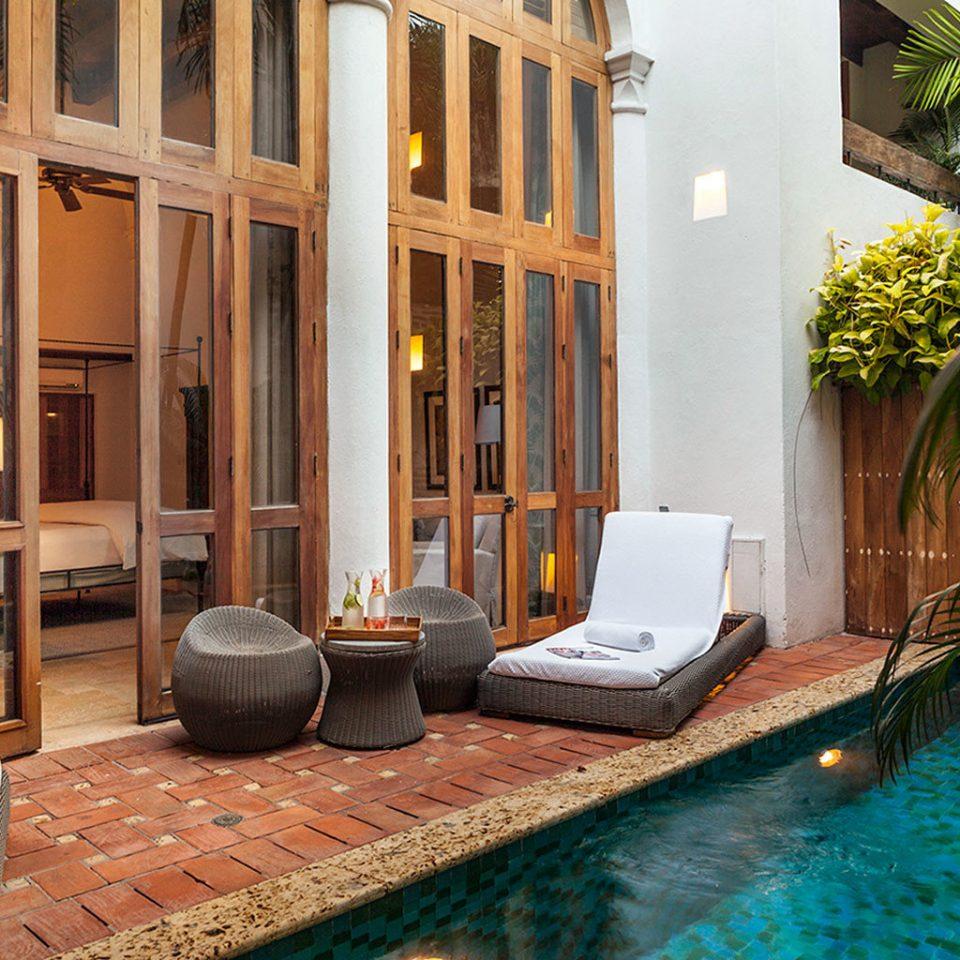 Luxury Play Pool Resort Trip Ideas property house building condominium home mansion Villa Courtyard swimming pool cottage backyard