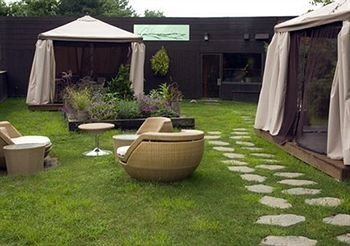 grass property backyard yard outdoor structure tent lawn Patio cottage shed Courtyard porch