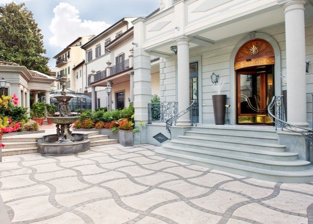 building property condominium residential area Courtyard home plaza mansion walkway outdoor structure Patio