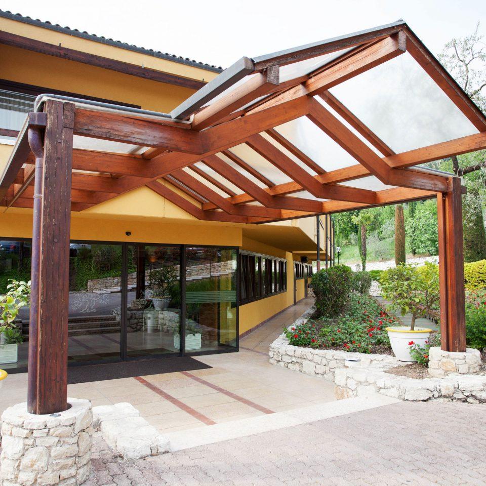 building property pergola outdoor structure porch home Villa Courtyard cottage backyard Patio