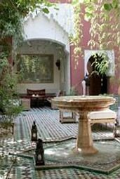 property porch Courtyard outdoor structure home cottage backyard Villa Patio water feature