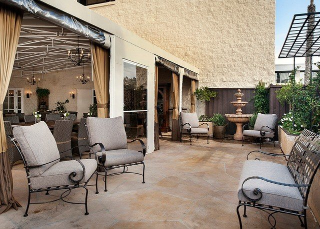 property living room home condominium Villa cottage outdoor structure loft Patio Courtyard