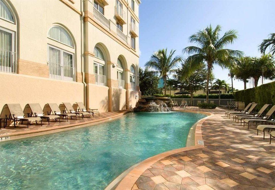 water swimming pool property leisure Pool condominium Resort Villa reflecting pool palace hacienda resort town mansion plaza Courtyard swimming