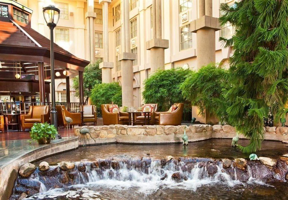 swimming pool Courtyard Resort water feature fountain backyard plaza condominium