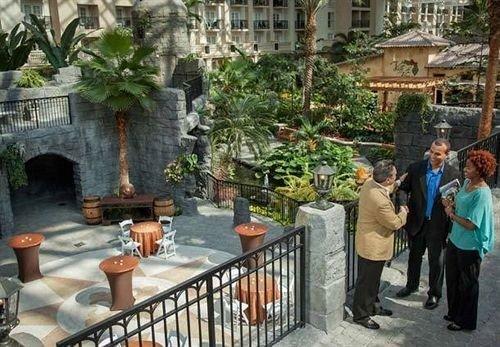 property Courtyard floristry Resort restaurant plaza