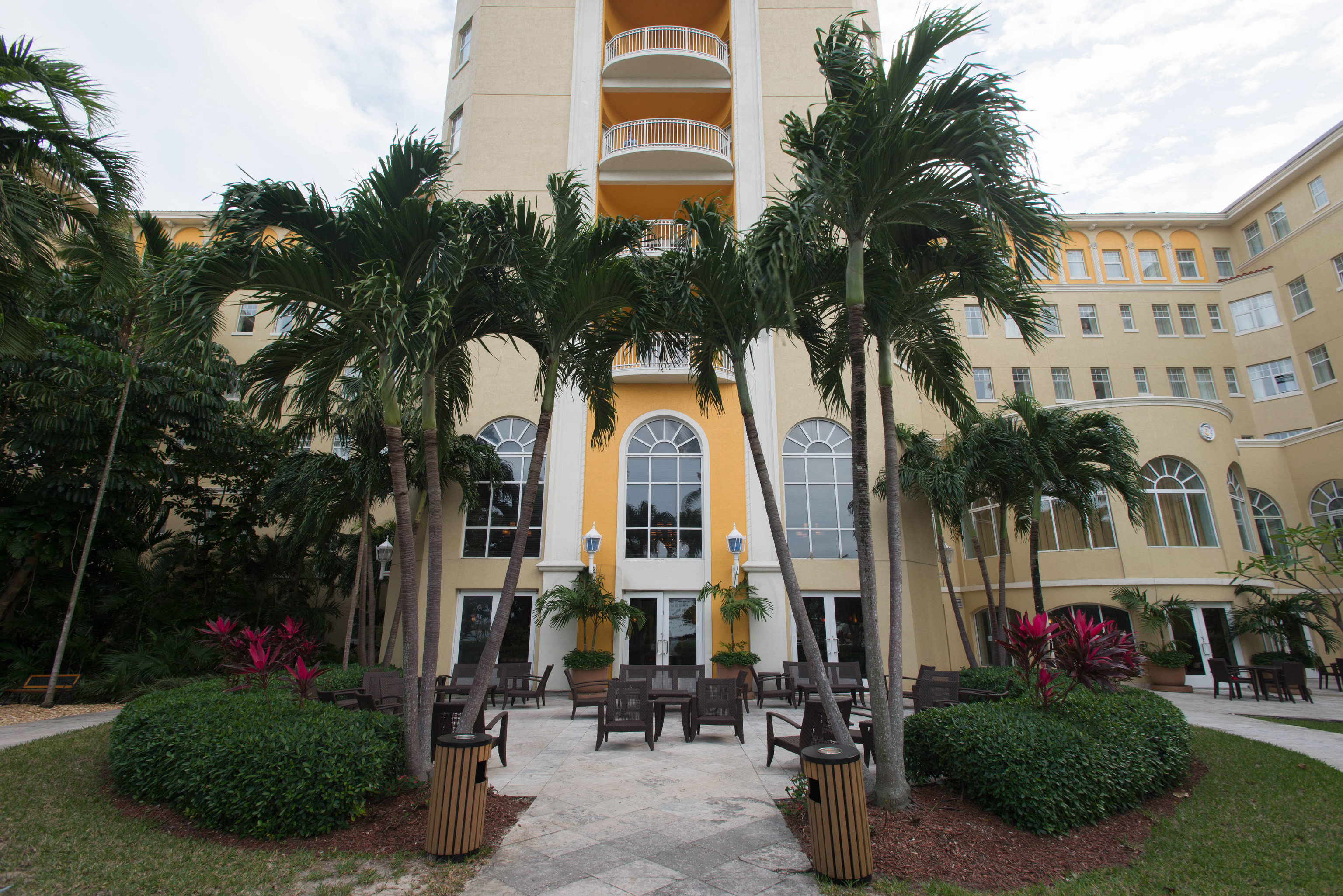 tree sky property building plaza Town neighbourhood house Courtyard Resort condominium hacienda Villa mansion palace plant