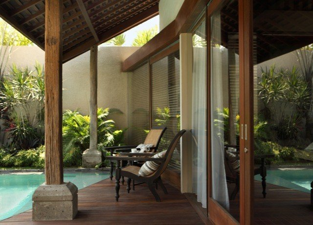 property building Resort porch Villa condominium outdoor structure hacienda home backyard swimming pool Courtyard pergola eco hotel cottage
