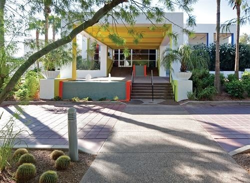 tree property street home Resort Villa backyard hacienda Courtyard yard outdoor structure empty paving