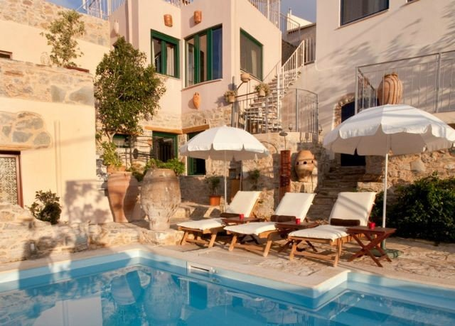 building swimming pool property leisure Resort condominium Villa home mansion Courtyard backyard