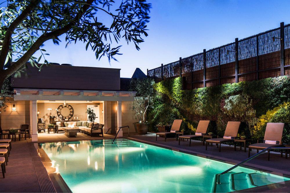 tree swimming pool property leisure Resort condominium reflecting pool home Villa mansion backyard Courtyard