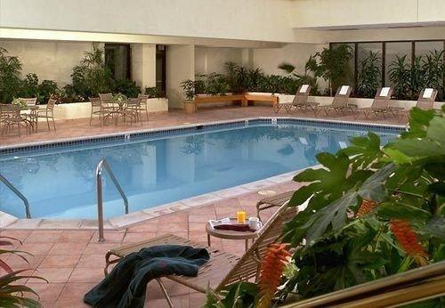 swimming pool property plant backyard Resort condominium Villa Courtyard