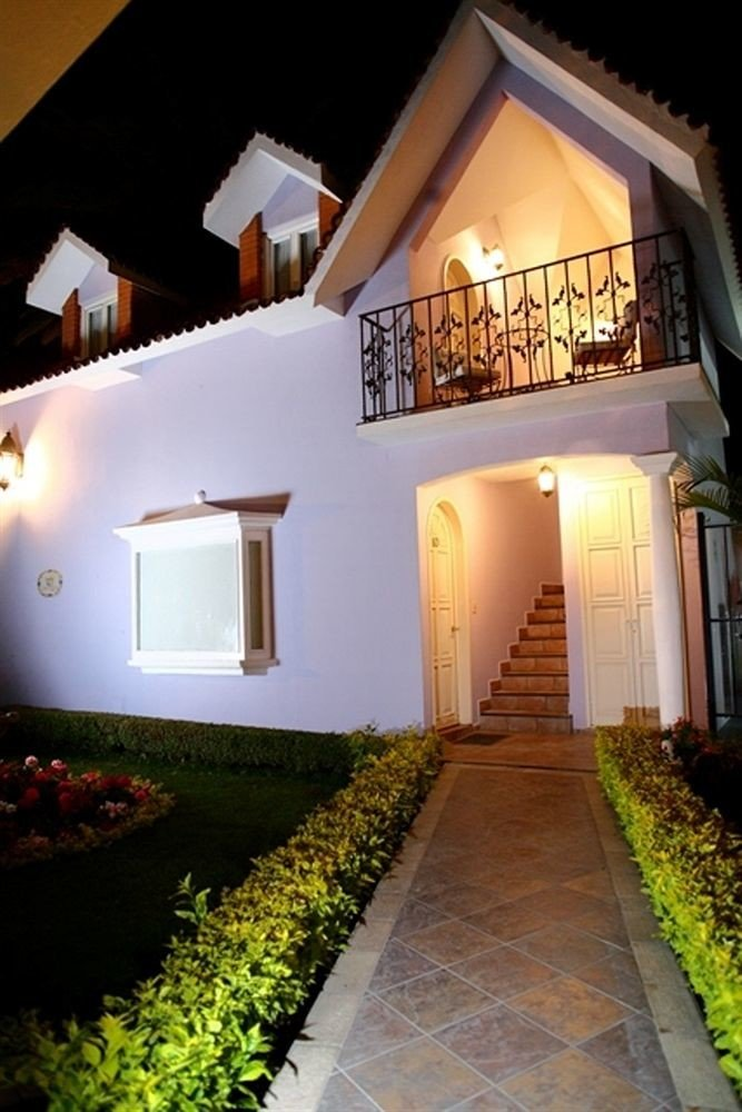 house property building home Villa hacienda mansion cottage Courtyard Resort farmhouse