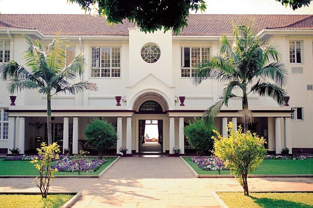 building property Courtyard home condominium neighbourhood Resort Villa mansion plaza hacienda residential area plant